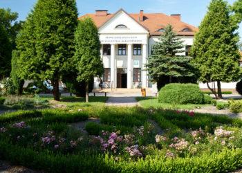 Pałac w Lututowie