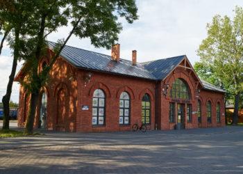 Dworzec kolejowy w Pabianicach